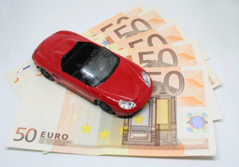 車の維持費と税金について